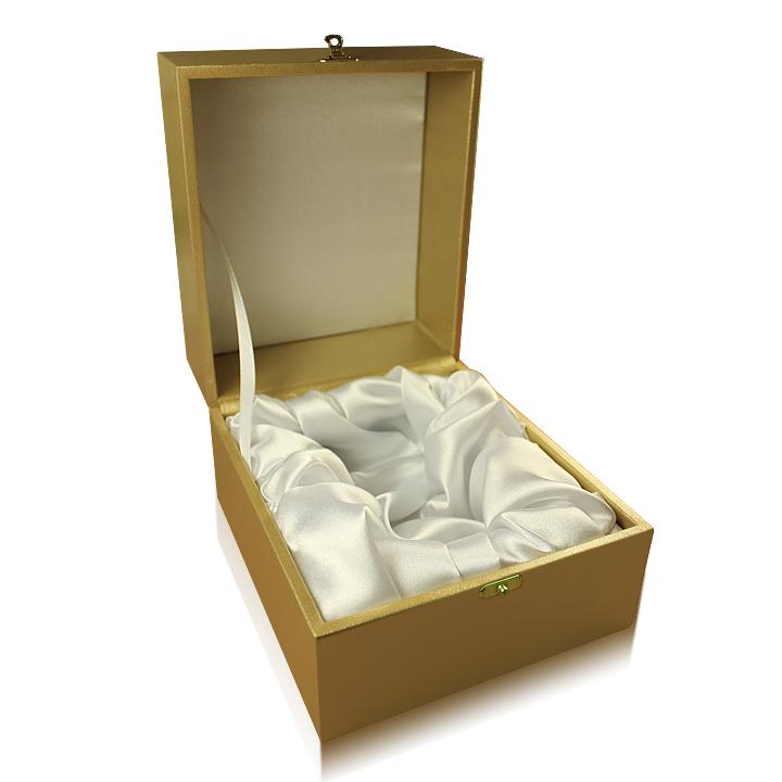 Подарочная золотая упаковка