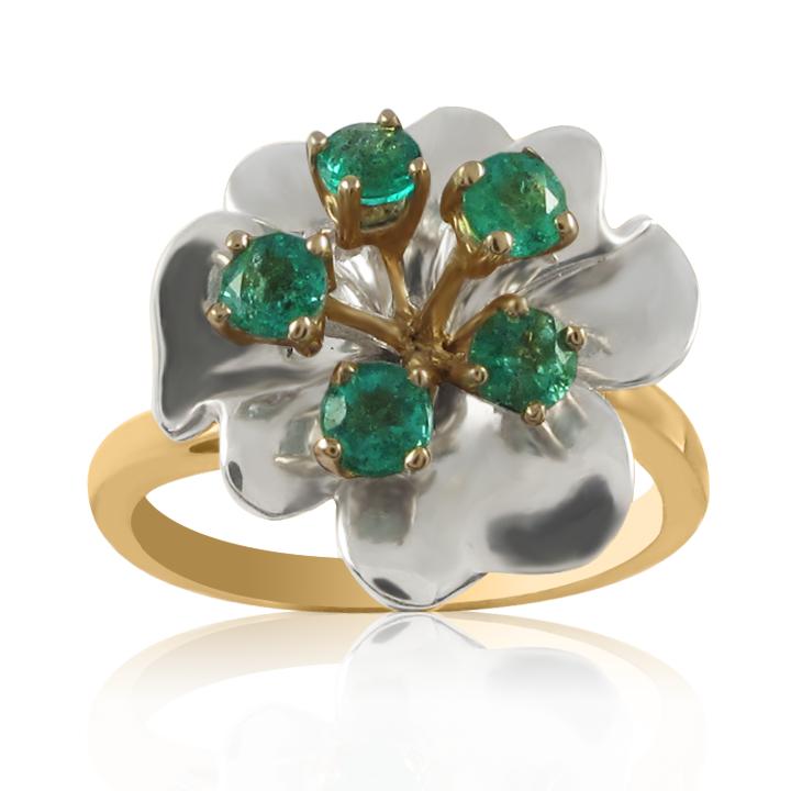 Эксклюзивное кольцо с изумрудами «Цветок Медеи»