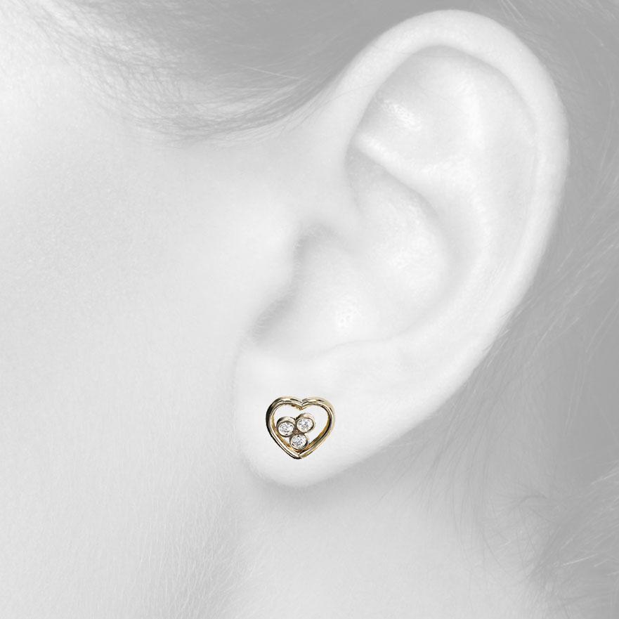 Золоті сережки сердечки з діамантами «Від щирого серця»