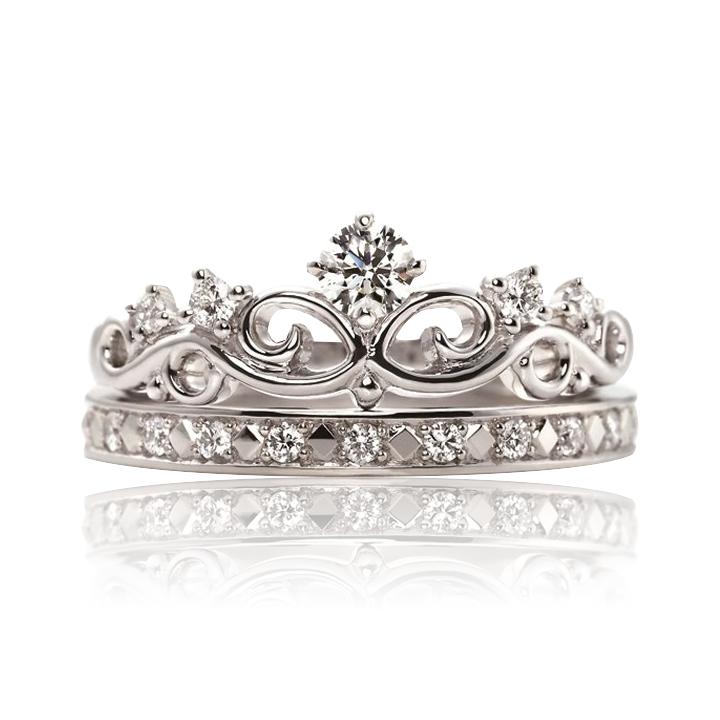 Кольцо с бриллиантом с обручальным кольцом