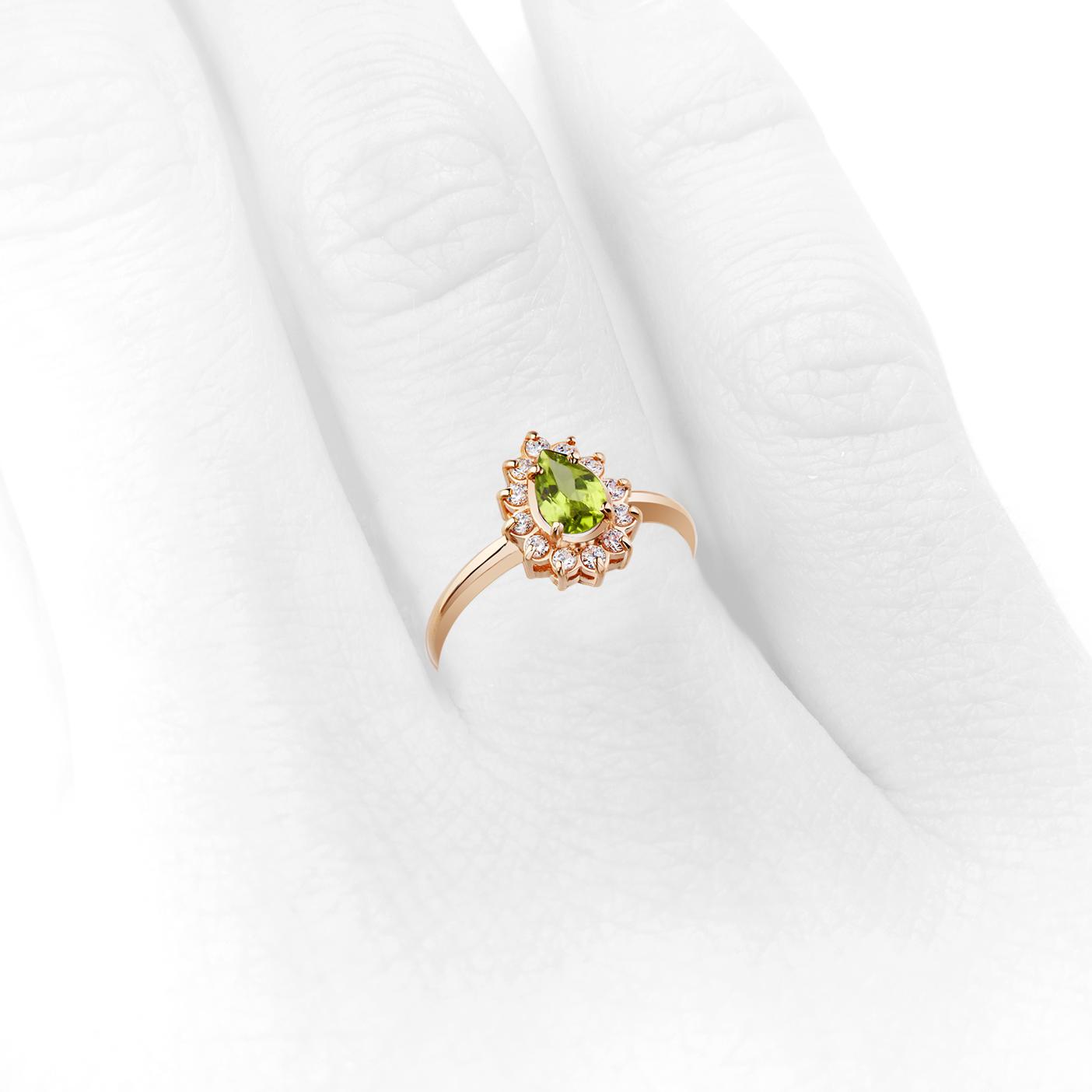 Золотое кольцо с хризолитом и цирконами «Королевский шик»