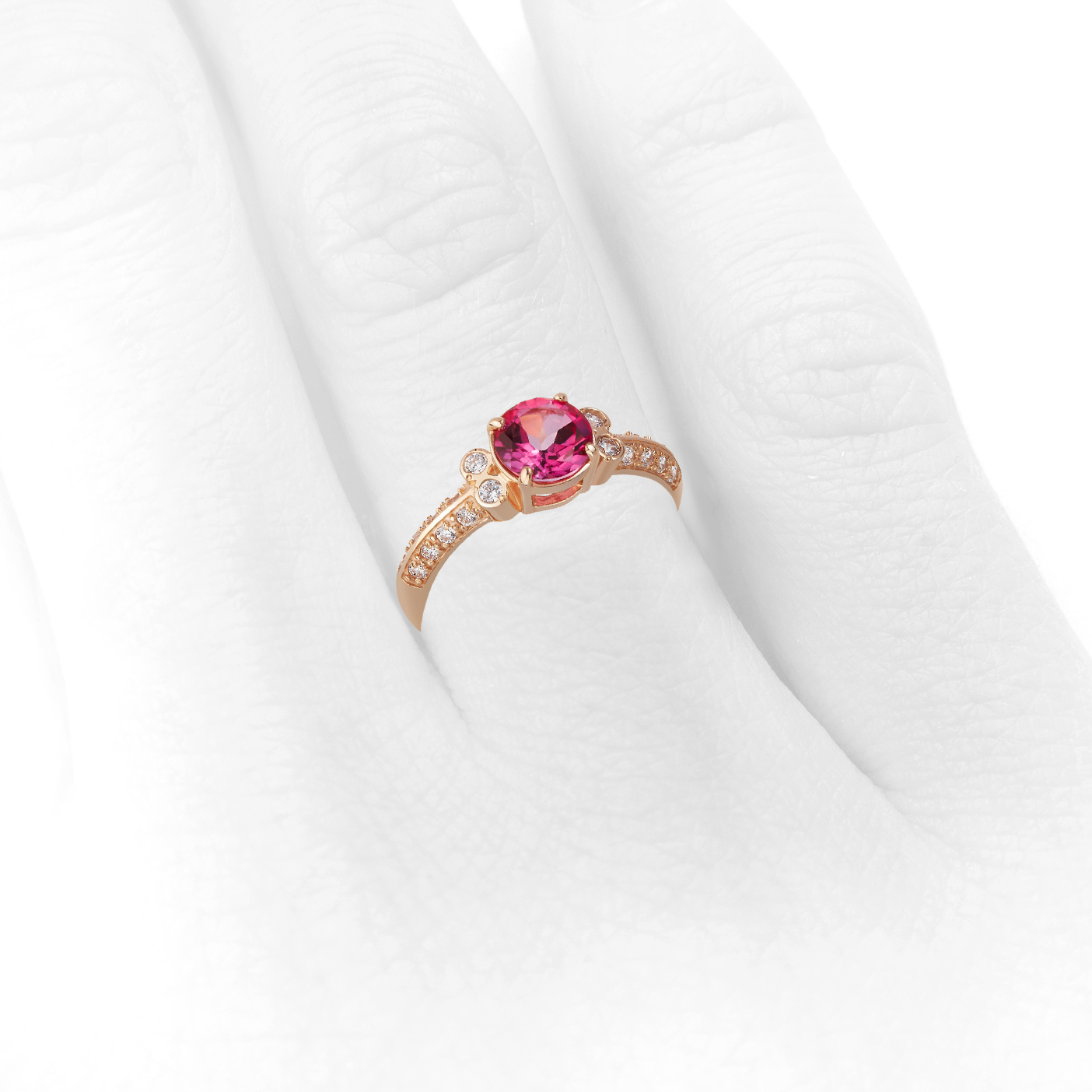 кольцо с розовым топазом