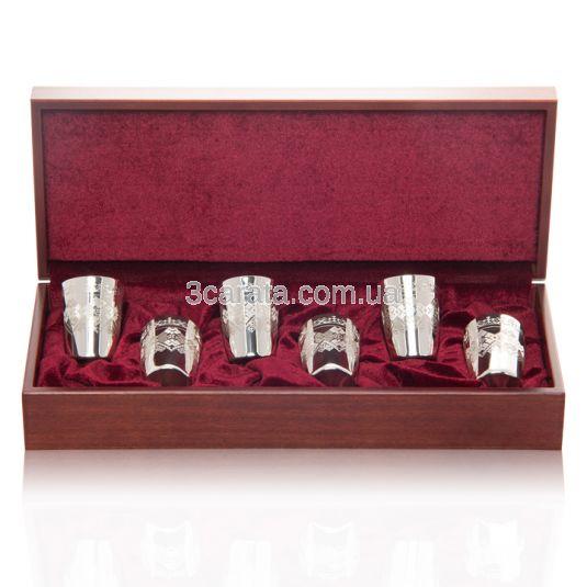 Набор из шести серебряных стопок