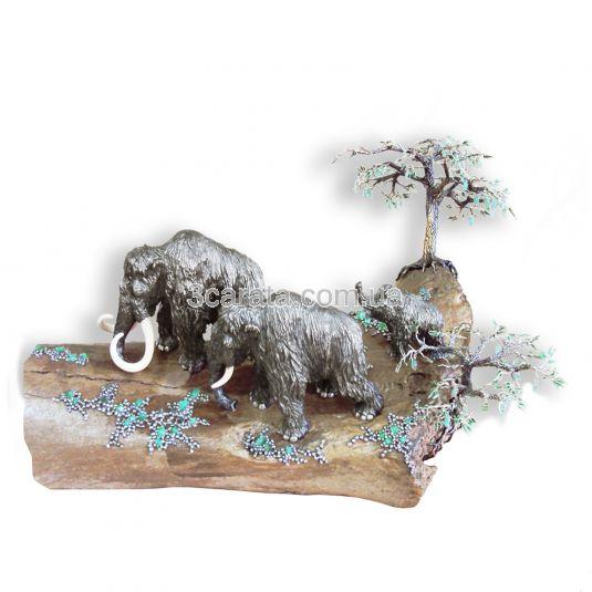 Срібна композиція з позолотою і натуральними вставками «Полювання на мамонтів»