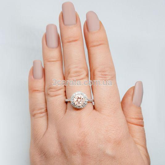 Золотий великий перстень з морганітом «Insta Queen»