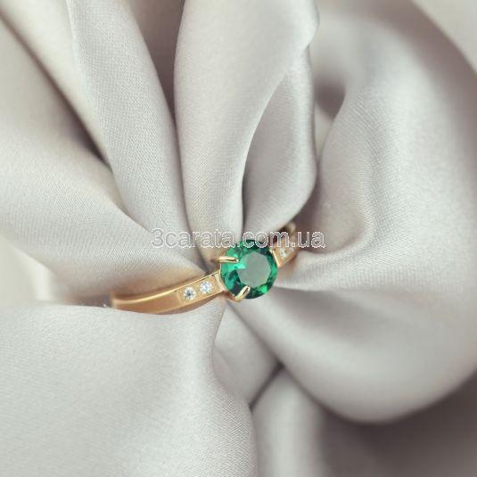 Золота жіноча каблучка з гідротермальним смарагдом «Вічна любов»
