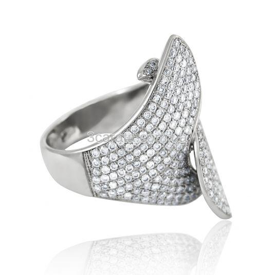 Золотий перстень з діамантами «Поцілунок Янгола»