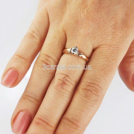 Каблучка на заручини з білим сапфіром «Ангеліна»
