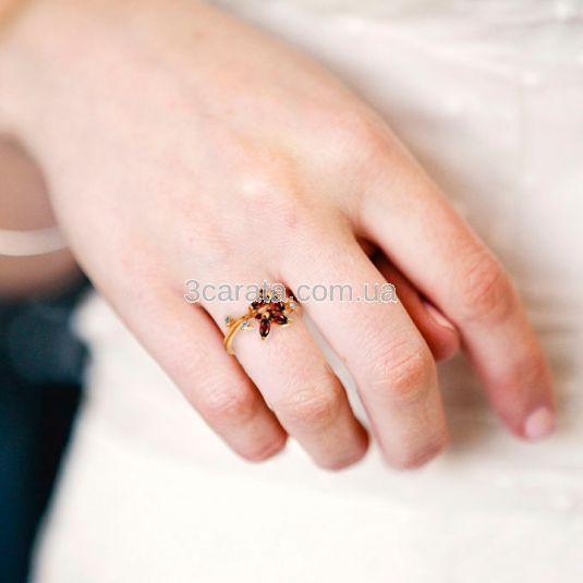Колечко «Пурхання метелика» з гранатами