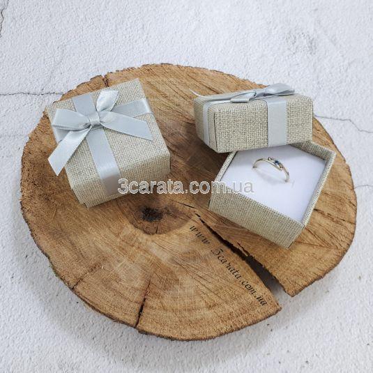 Стильная коробочка для кольца или сережек