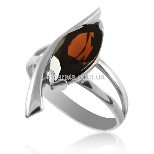 Золотое кольцо с раухкварцем «Стрела Амура»