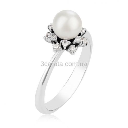 Золотое кольцо с жемчугом в обрамлении белых камней «Лукиана -2»