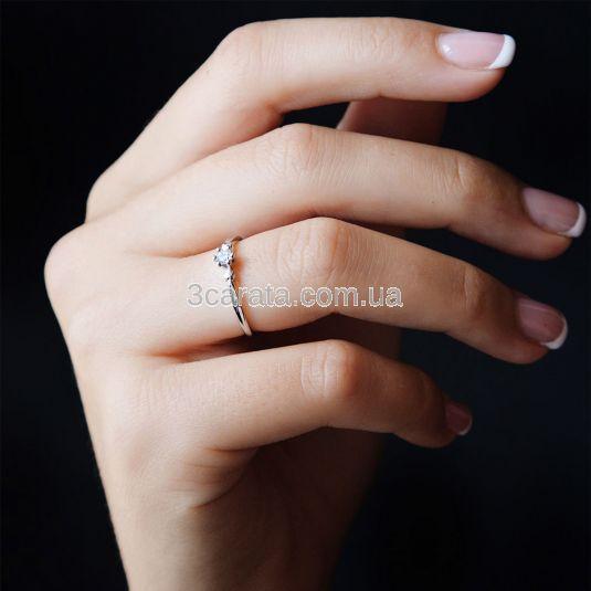 Кольцо золотое с бриллиантом 0.03 Ct «Vision»