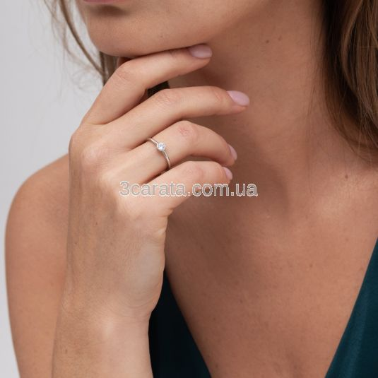 Золотое кольцо с одним бриллиантом «Чистая любовь»