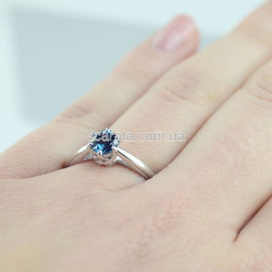 Помолвочное кольцо с крупным топазом «Andromeda»