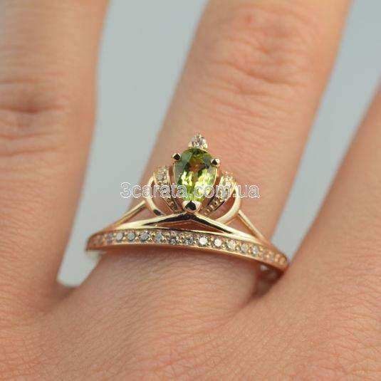 Золотое кольцо корона с хризолитом «Королевское»