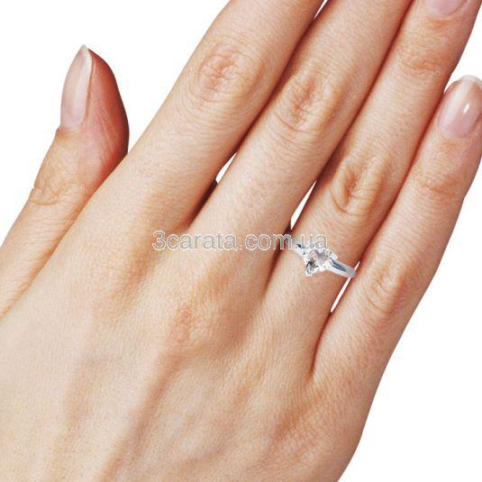 Золотое кольцо-сердце с белым топазом «Loving heart»