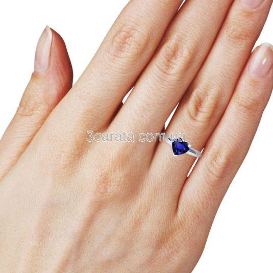 Золотое кольцо-сердце с сапфиром «Loving heart»