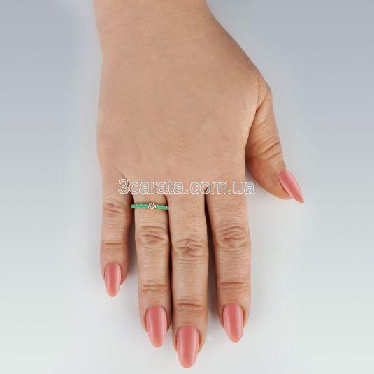 Тонкое кольцо с бриллиантом и дорожкой изумрудов «Megan»