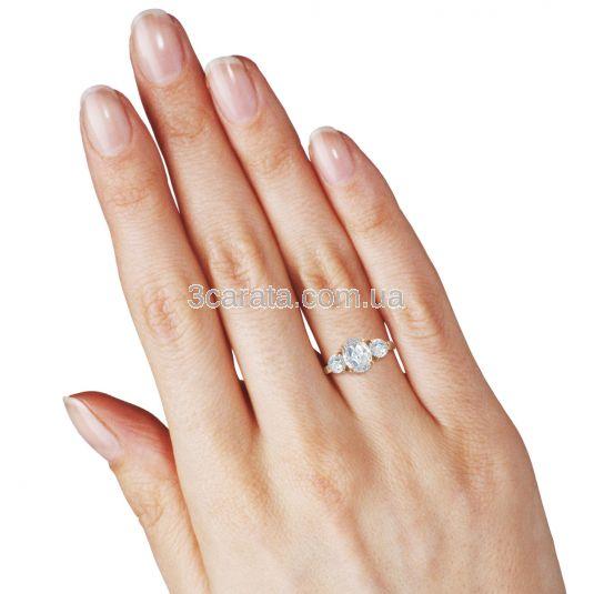 Кольцо золотое с камнями Сваровски «Марика»