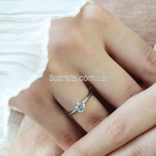 Помолвочное кольцо солитер с фианитом «Ellis»