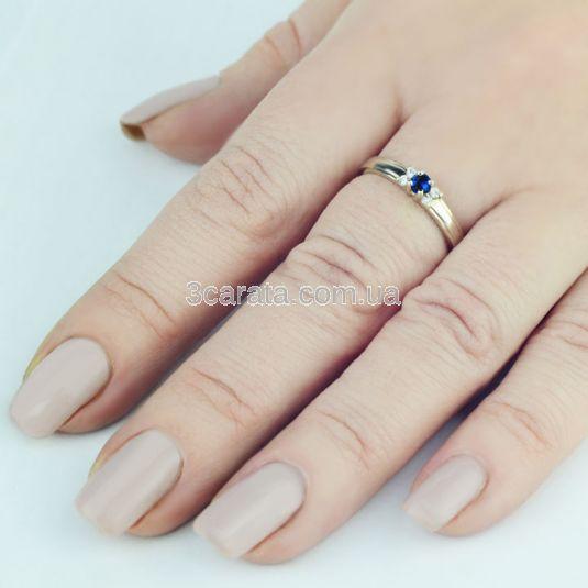 Женское кольцо с сапфиром и бриллиантами «La Tendresse»