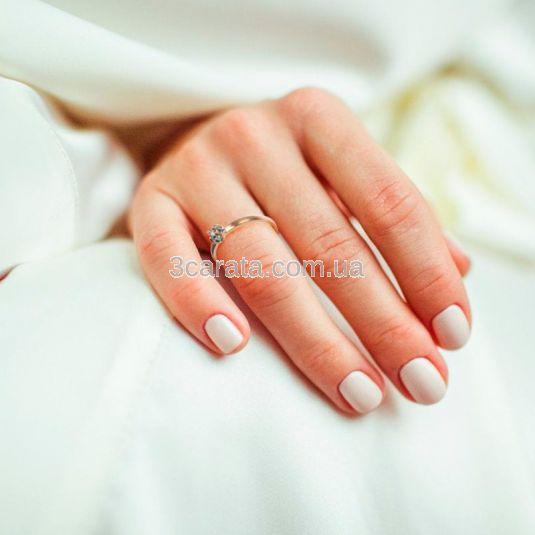 Кольцо с одним центральным бриллиантом «Mesdames»