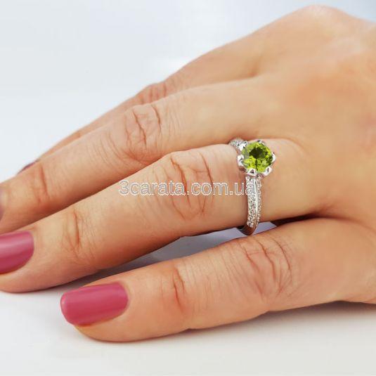 Золотое кольцо с крупным хризолитом «Тюльпан»