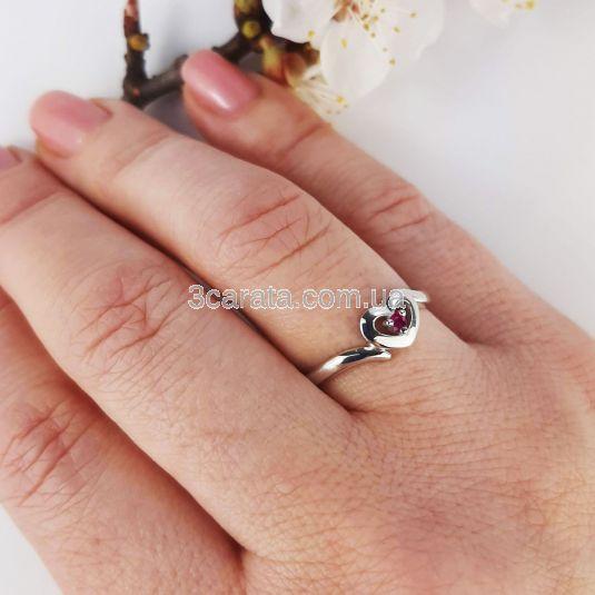 Кольцо в виде сердца из золота с рубином «Мария-Антуанетта»
