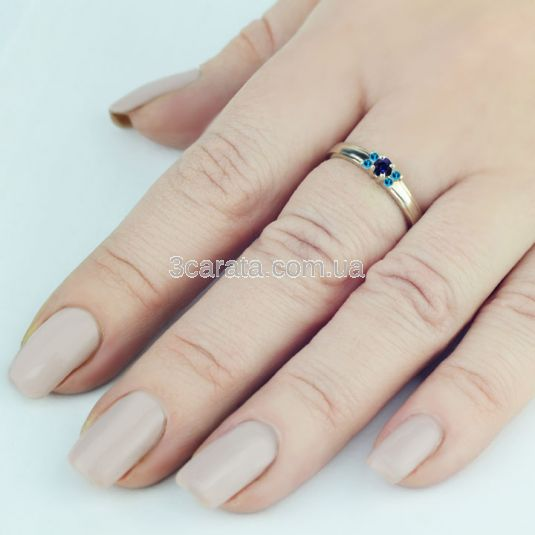 Женское золотое кольцо с сапфиром и топазами «La Tendresse»