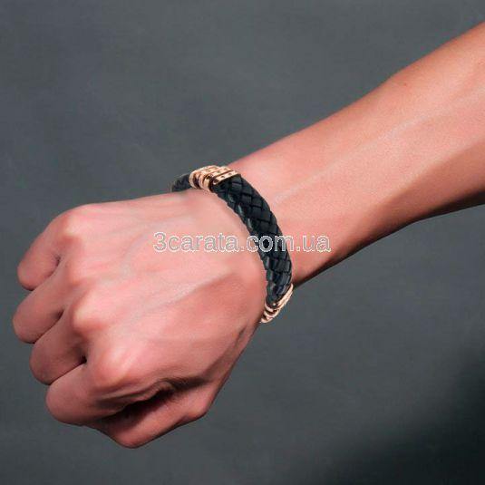 Золотой браслет с кожей и черными бриллиантами