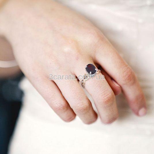 Золотое кольцо с гранатом «Сердечки с гранатом»
