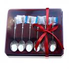 Подарункова упаковка бордового кольору для набору з 6 ложечок.
