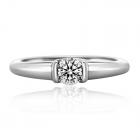 Золоте кільце з діамантом «Consent»