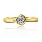 Золотое кольцо с бриллиантом «Benedetto»
