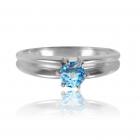 Золотое кольцо с топазом «Скрипачка»