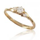 Золотое кольцо  с тремя бриллиантами «Лилея»