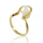 Золотое кольцо с жемчугом «Бонита»