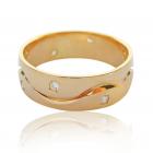 Золота обручка з діамантами «На хвилях кохання»