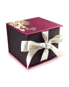 Подарочная упаковка с цветочками