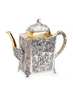 Срібний чайник з позолотою