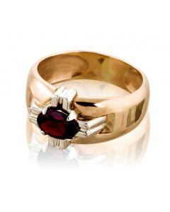 """Золотий перстень з гранатом """"Лицарський орден»"""