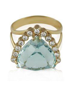 Золотое кольцо с крупным аквамарином «Мадам»