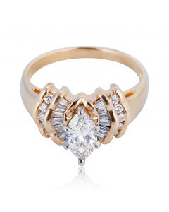 Золотий перстень з діамантом ограновування маркіз «Маріон»