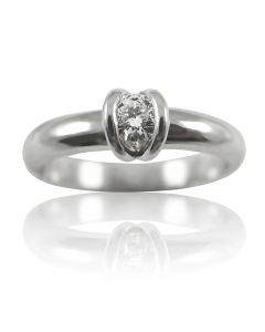 Золотое кольцо с бриллиантом 0.18 ct «Сусанна»