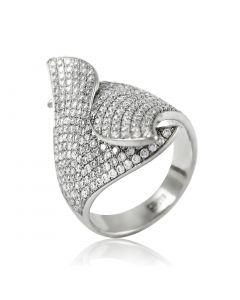 Золотое кольцо с бриллиантами «Поцелуй Ангела»