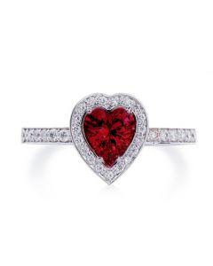 Золота діамантова каблучка «Гранатове серце»