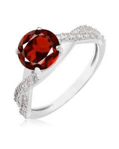 Женский перстень с крупным красным гранатом «Прима»