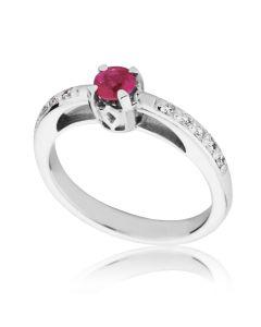 Золоте кільце з рубіном і діамантами «Твіст»
