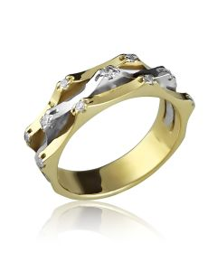 Кольцо необычного дизайна из двух видов золота